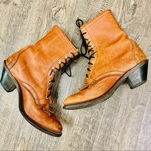 LAREDO Vintage Brown Distressed lace-up ankle 6.5